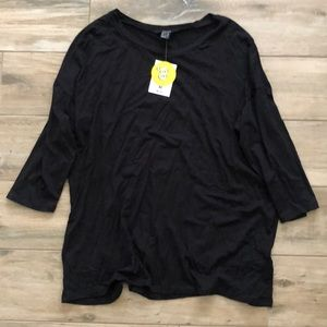 Black quarter length top